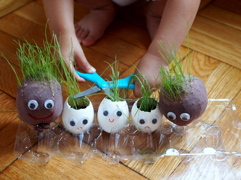 Make Grass Egg Heads And Grass Stocking Heads Pink