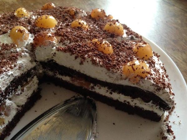 Торта с бели череши