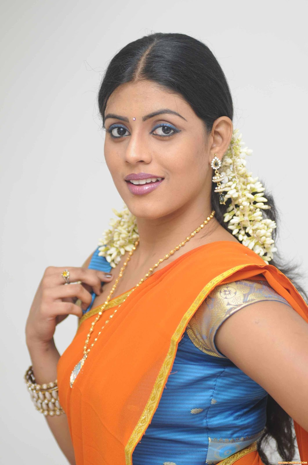 tamil iniya actress latest malayalam movies posted am navel stills