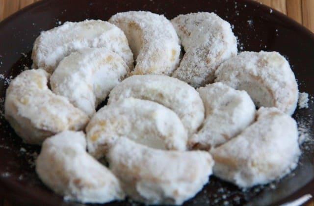 Kue putri salju juga terkenal di Austria dan Jerman lho!