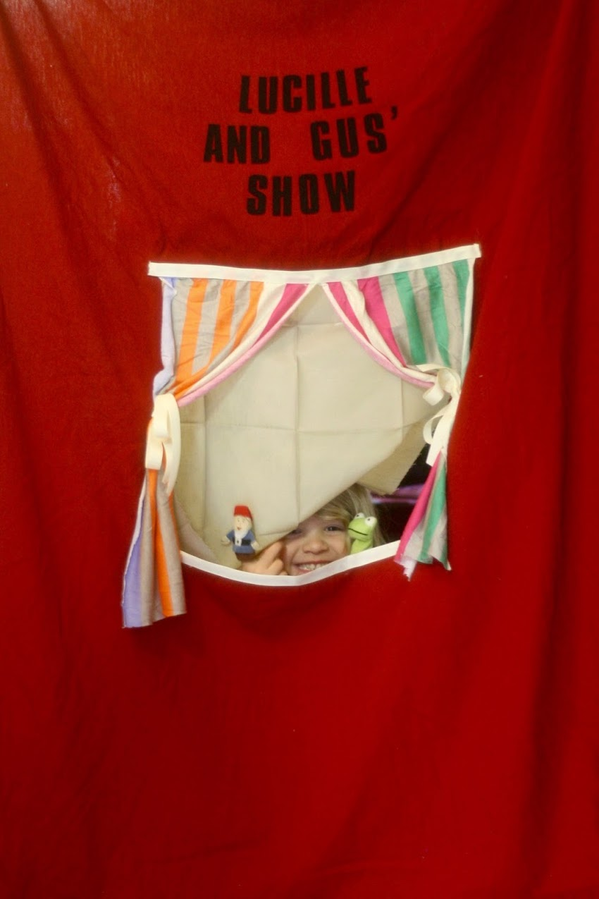 Puppet Theater: Easy DIY
