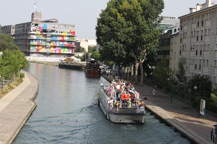 L'Eté du Canal - bateau sur le Canal de l'Ourcq