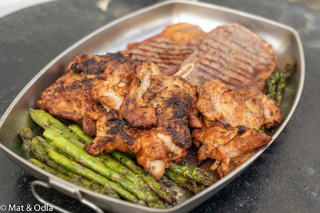 grillad sparris, kyckling och t-bone steak