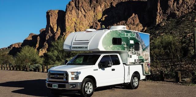 T17 truck camper fra Cruise Canada & Cruise America