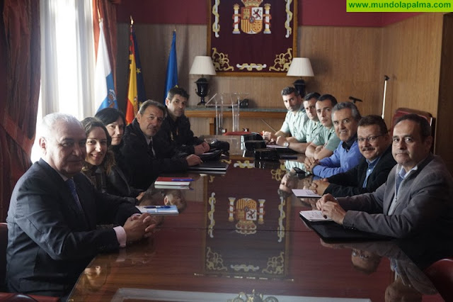 El Plan Director para la Convivencia y Mejora de la Seguridad en Centros Educativos y sus Entornos celebra una reunión de coordinación en La Palma
