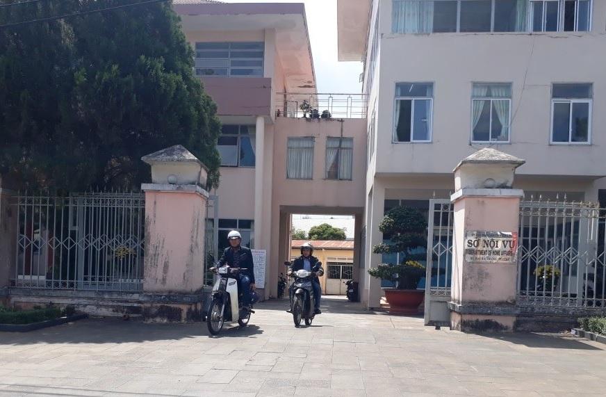 Gia Lai: Cán bộ Sở Nội vụ, Thi hành án bỏ nhiệm sở vì... bị đòi nợ
