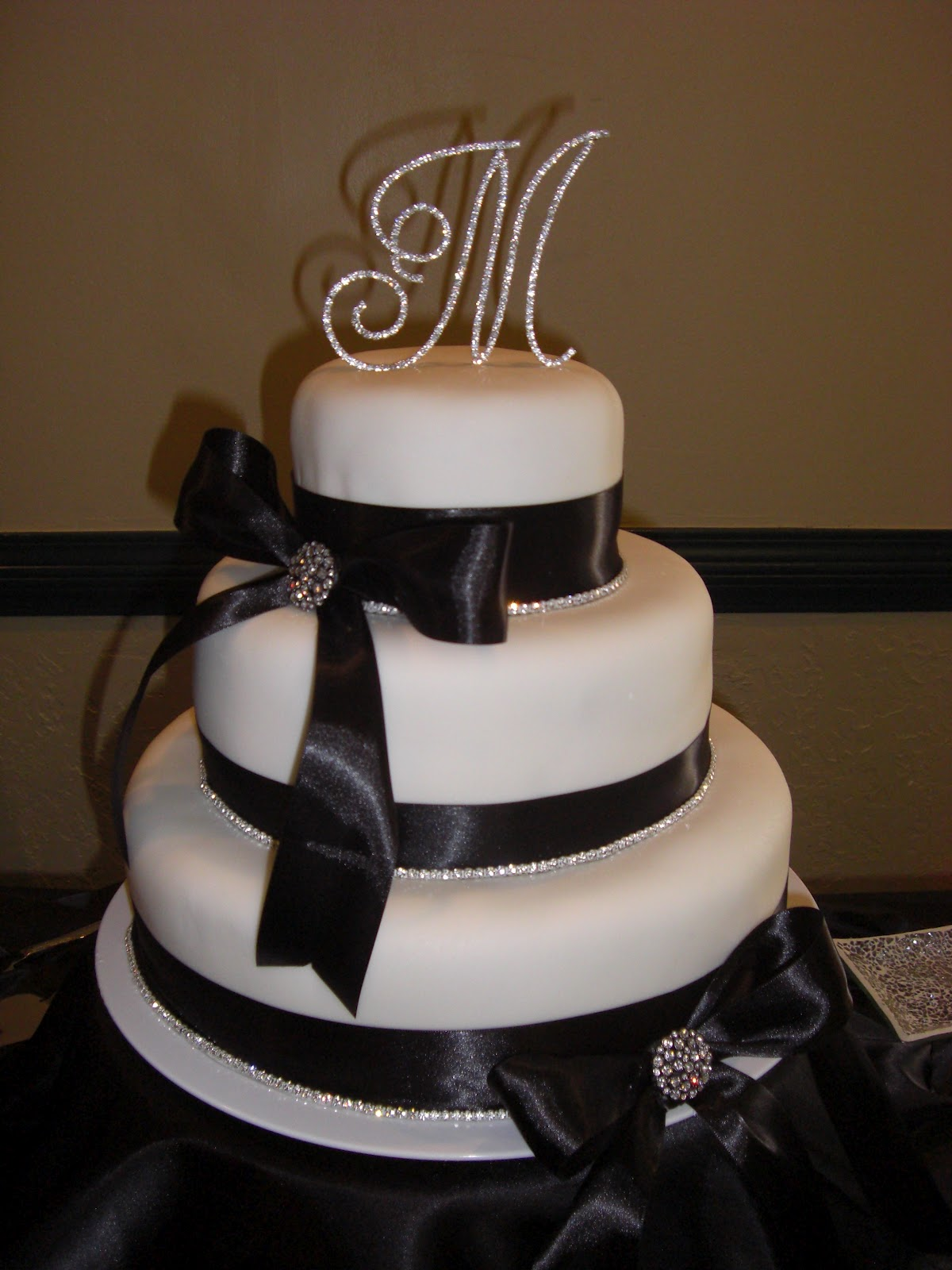 sarah jones cakes wedding cakes. Black Bedroom Furniture Sets. Home Design Ideas