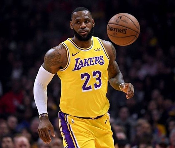 Lebron James Returns To Earn Lakers Victory, After Long-term Injury