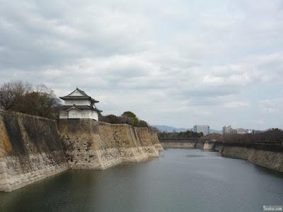 大阪城外堀と櫓