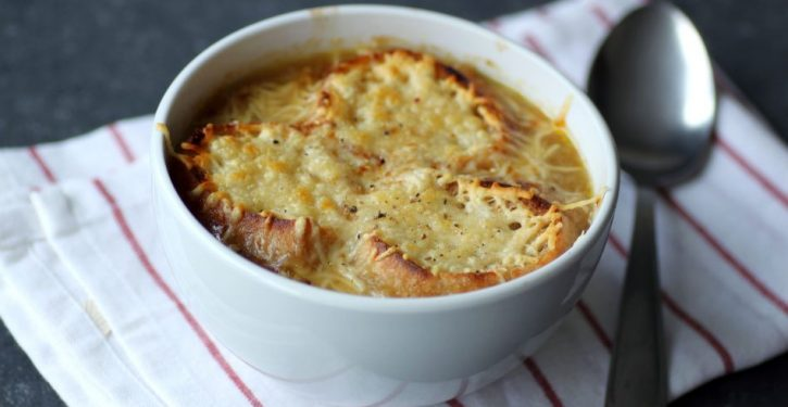 Yum ! Delicious Onion Soup To Protect You From The Diseases Of Winter