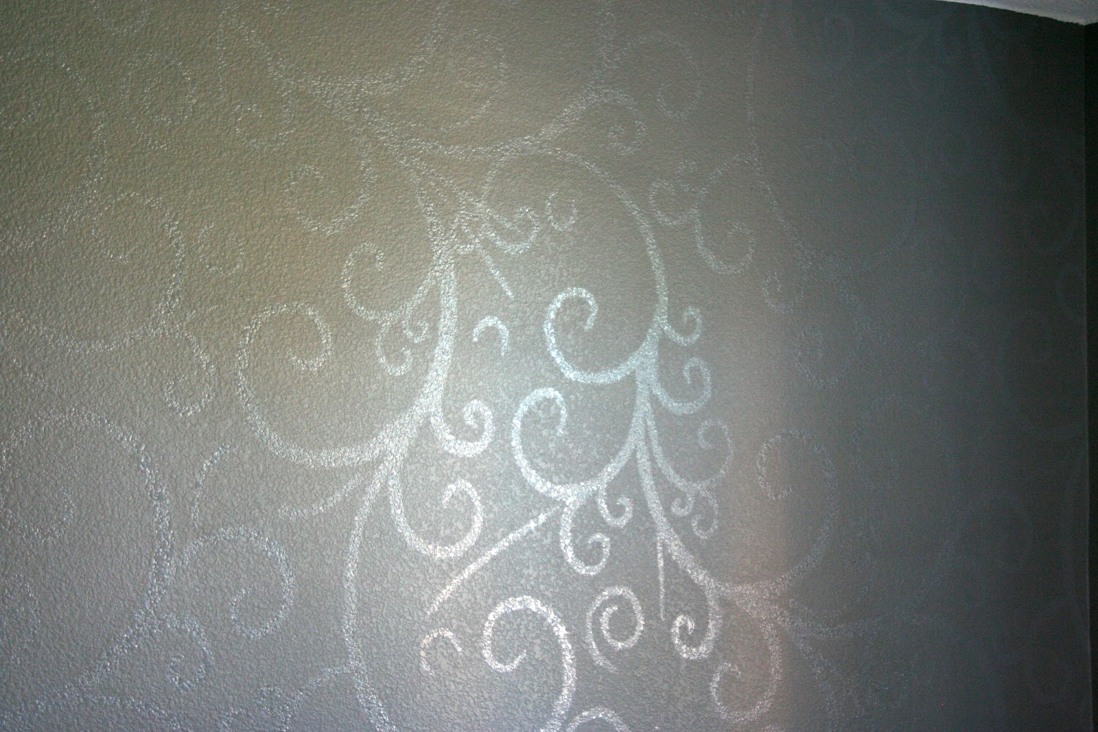 Redfly Creations: Our Bedroom Accent Wall