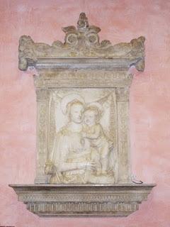 Scultura Madonna con Bambino nel comune di Solarolo
