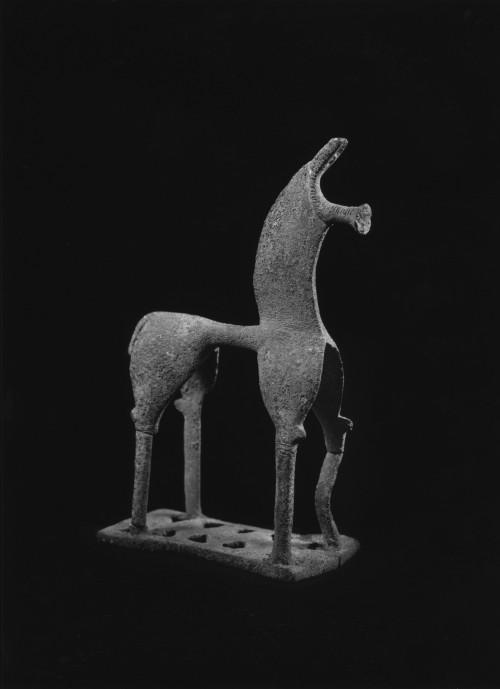Πρωτοφανής κίνηση από τον Sotheby's: Πάει την Ελλάδα στα δικαστήρια για αρχαίο ειδώλιο