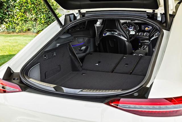 メルセデスAMG GT 4ドアクーペ インテリア ラゲッジルーム