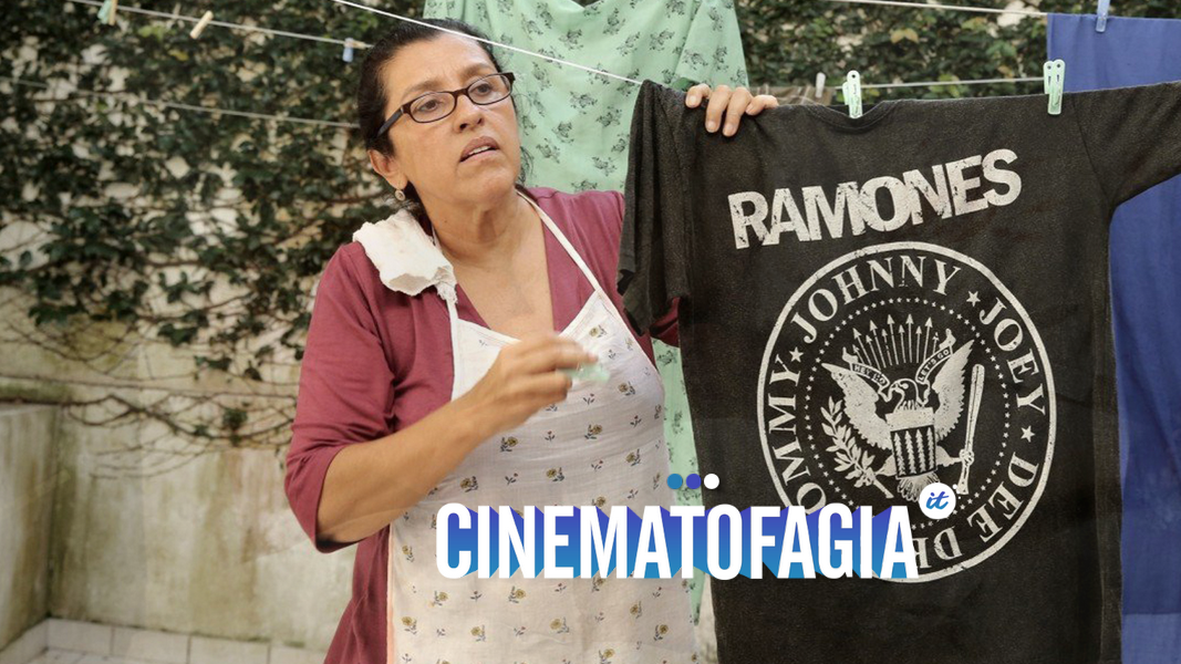 """Um dos maiores filmes nacionais da história, """"Que Horas?"""" é um recorte urgente sobre o Brasil de ontem e de hoje"""