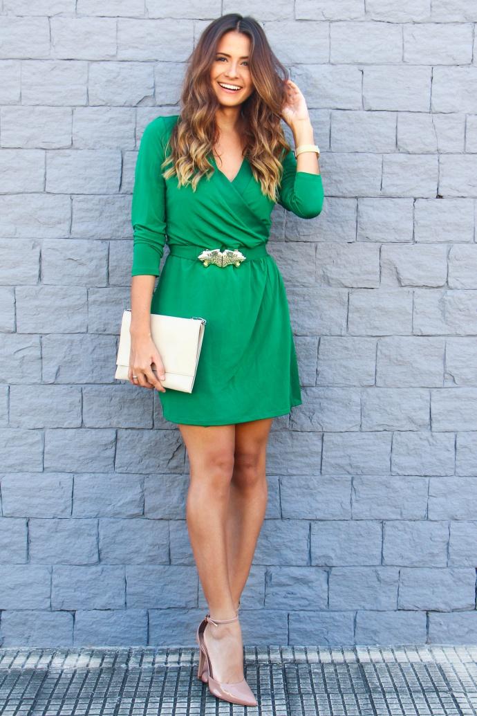 Como combinar vestido verde com sapato