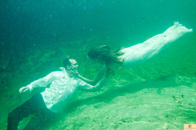 underwater couple photography