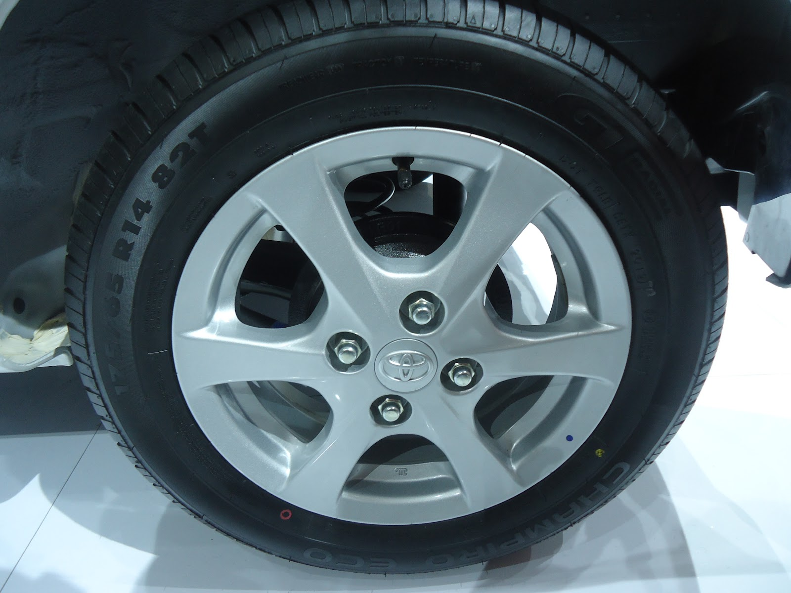 Ukuran Velg New Yaris Trd All Camry 2018 Malaysia Herwono Banyu Alas: Harga Spesifikasi Detail Toyota Agya ...