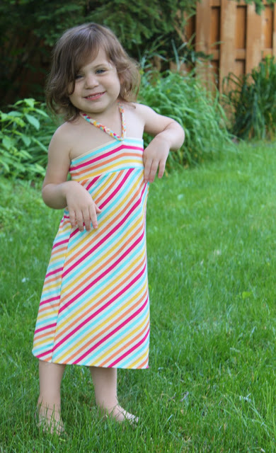 http://icandy-handmade.com/2011/07/fun-in-sundress-lollipop.html
