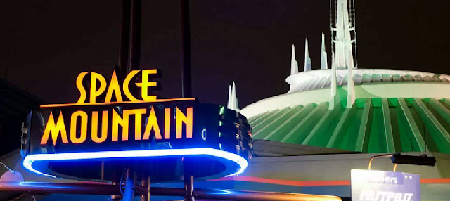 Space Mountain no Magic Kingdom em Orlando
