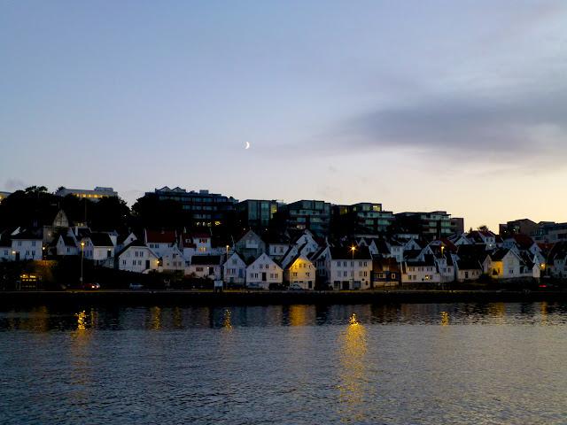 Stavanger Anochecer