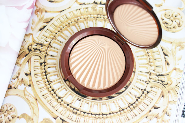highlighter, art decor, Paris in bloom, esteem Lauder, makeup, review, makeup review
