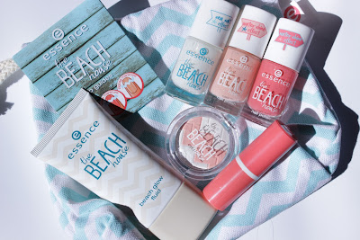 http://lacquediction.blogspot.de/2016/06/essence-beach-house-le-review-swatches.html