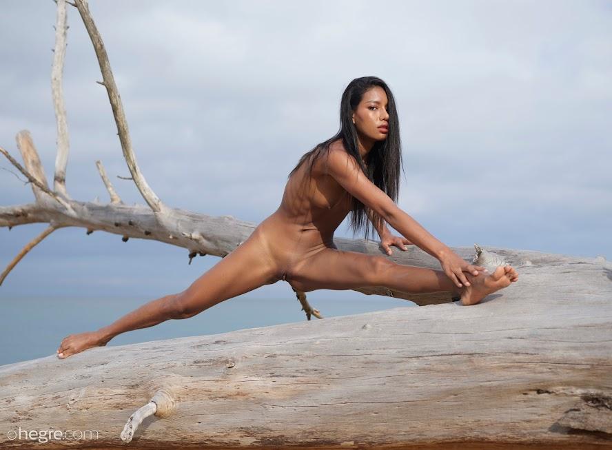 [Hegre-Art] Chloe - Fine Art Nudes