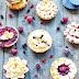 Herzige Valentinstag Beeren & Cheesecake Tartes
