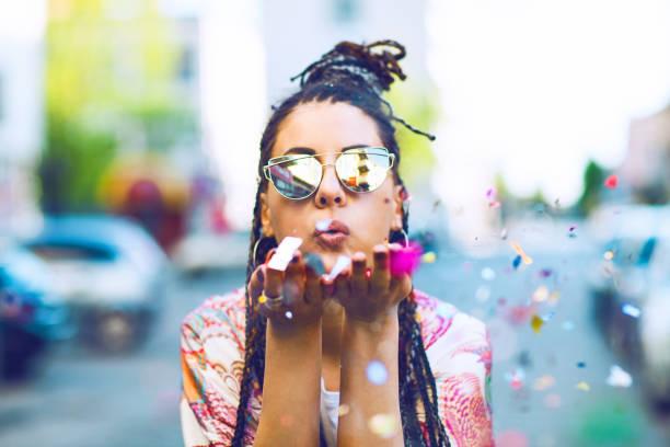 Trend foto dengan confetti