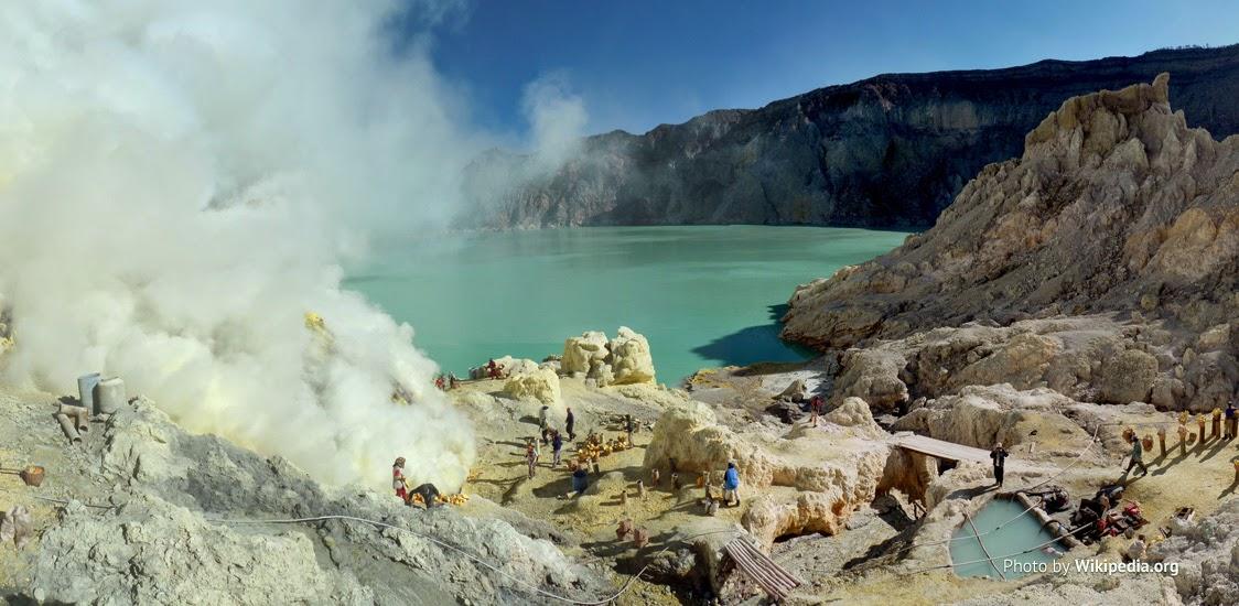 Kawah Ijen (Blue Fire) Banyuwangi