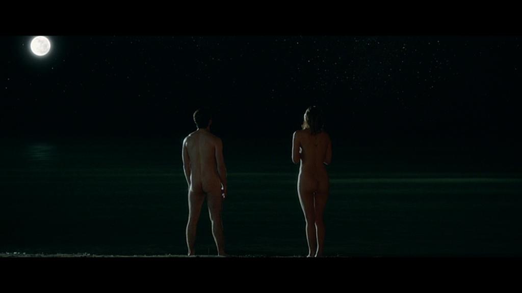 Naked white girls fingering pussy