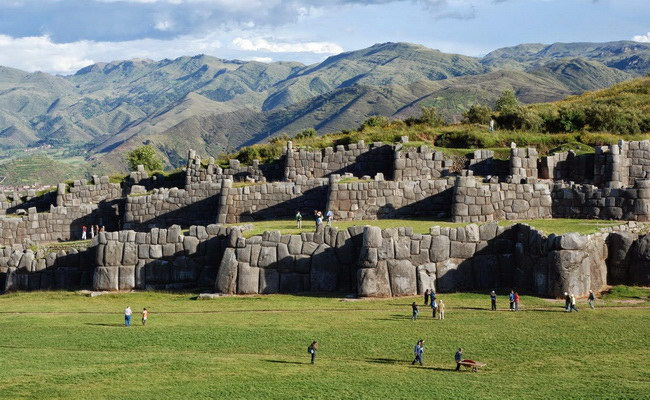 Xvlor.com Sacsayhuamán is the Killke nation ruins and expanded by Inca Empire