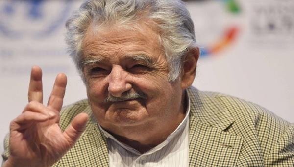Mujica apoyará jornada del SI en plebiscito de paz de Colombia