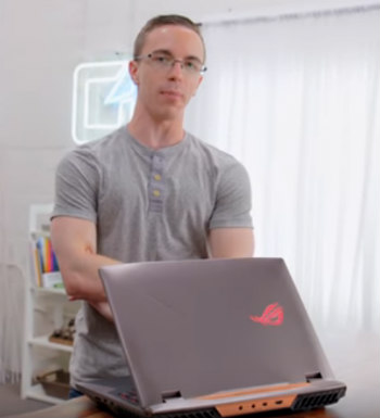Austin Evans In Front Of The ASUS G703