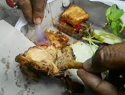 Ayam Padang Belatung