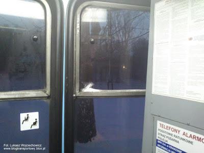 Niedomknięte okno w Konstalu 105Na, MPK Kraków