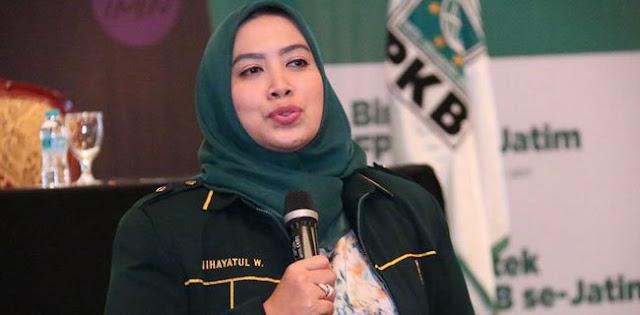 Nihayatul Wafiroh Diganjar Wakil Rakyat Terbaik 2018