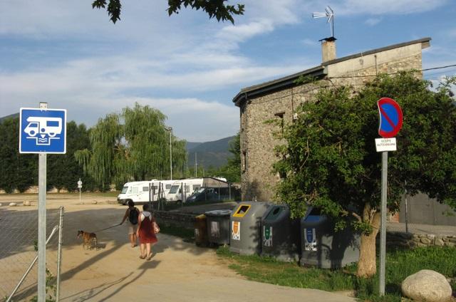 Entrada a l'àrea d'autocaravanes de la Seu d'Urgell