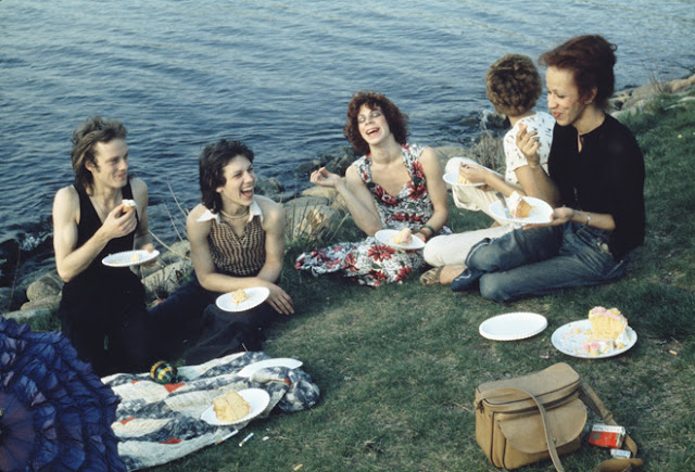 Outsiders: American Photography 1950s-1980s Exhibit at Art Gallery of Ontario in Toronto, Photos, Culture Artmatters, OutsidersAGO, AGO, Exhibition, History, Ontario, Canada, The Purple Scarf, Melanie.Ps, Nan Goldin, Picnic on the Esplanade