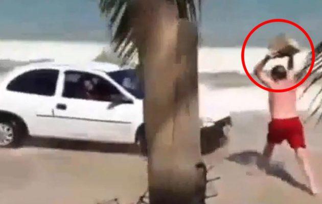 Του πέταξε πέτρα γιατί σπινιάριζε στην παραλία (βίντεο)