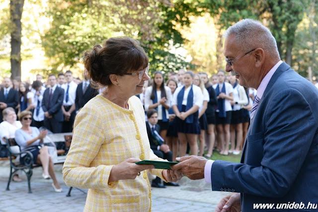 A szeptember 1-jei tanévnyitóján a rektor felhívta a figyelmet arra, hogy a diákok egyben a Debreceni Egyetem polgárai is, egy negyvenezer fős közösség tagjai, akiket várnak a szeptember 28-ai yoUDay-re, a Nagyerdei Stadionba szervezett egyetemnapi programokra is.