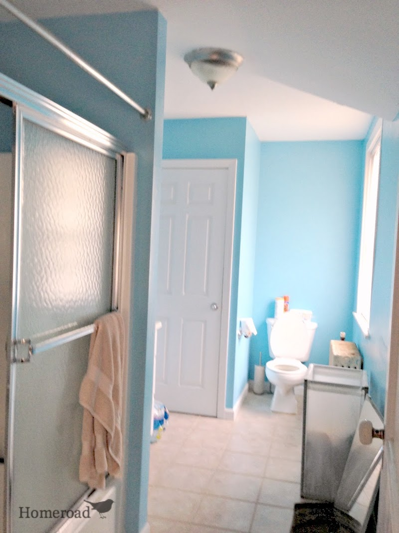 Striped Walls in the Bathroom