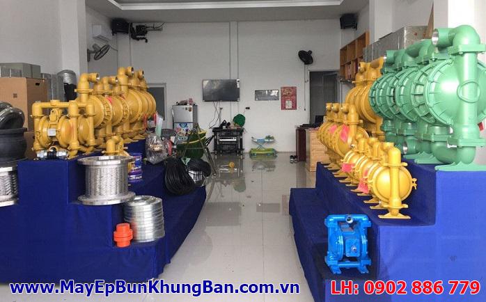 Bơm màng khí nén Yamada hoặc Marathon, Versa Matic có sẵn cho máy ép bùn khung bản Việt Nam