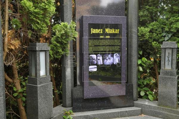 lapida digital mundo tecnologica cementerios