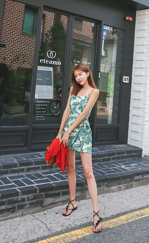 Tropical Print Sleeveless Romper