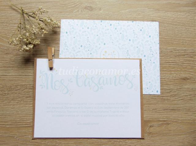 Un diseño moderno, sencillo y con encanto con estampado floral y lettering