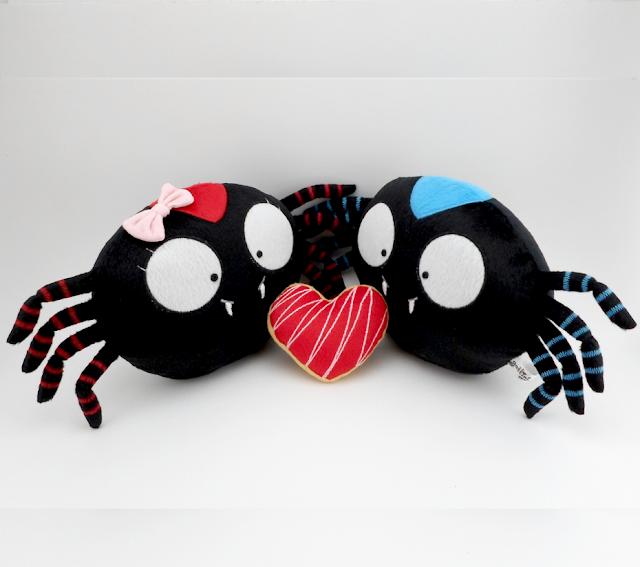 Guyuminos pareja de arañas de peluche con corazón, regalo aniversario, cumpleaños, navidad, san valentín