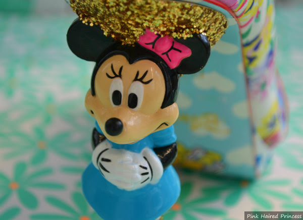 minnie mouse heel face close up