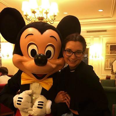 Disneyland Hotel Mickey Mouse